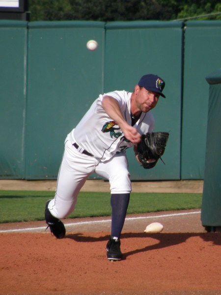 Mike Pelfrey warms up in the bullpen before his 2013 rehab start in CR