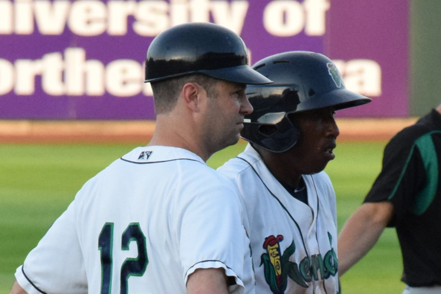 Kernels manager Jake Mauer and Manuel Guzman (SD Buhr)